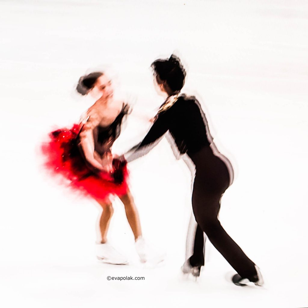 Ice skating by Eva Polak